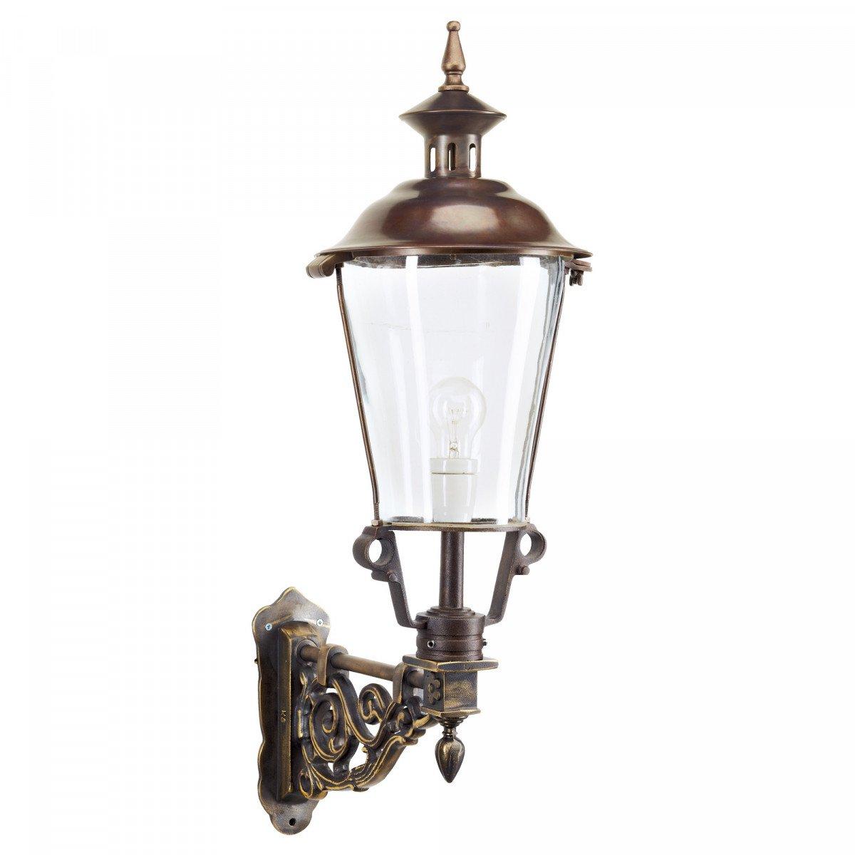 Klassiek bronzen buitenverlichting van KS Verlichting de muurlamp Koudekerke een buitenlamp in klassiek landelijke stijl