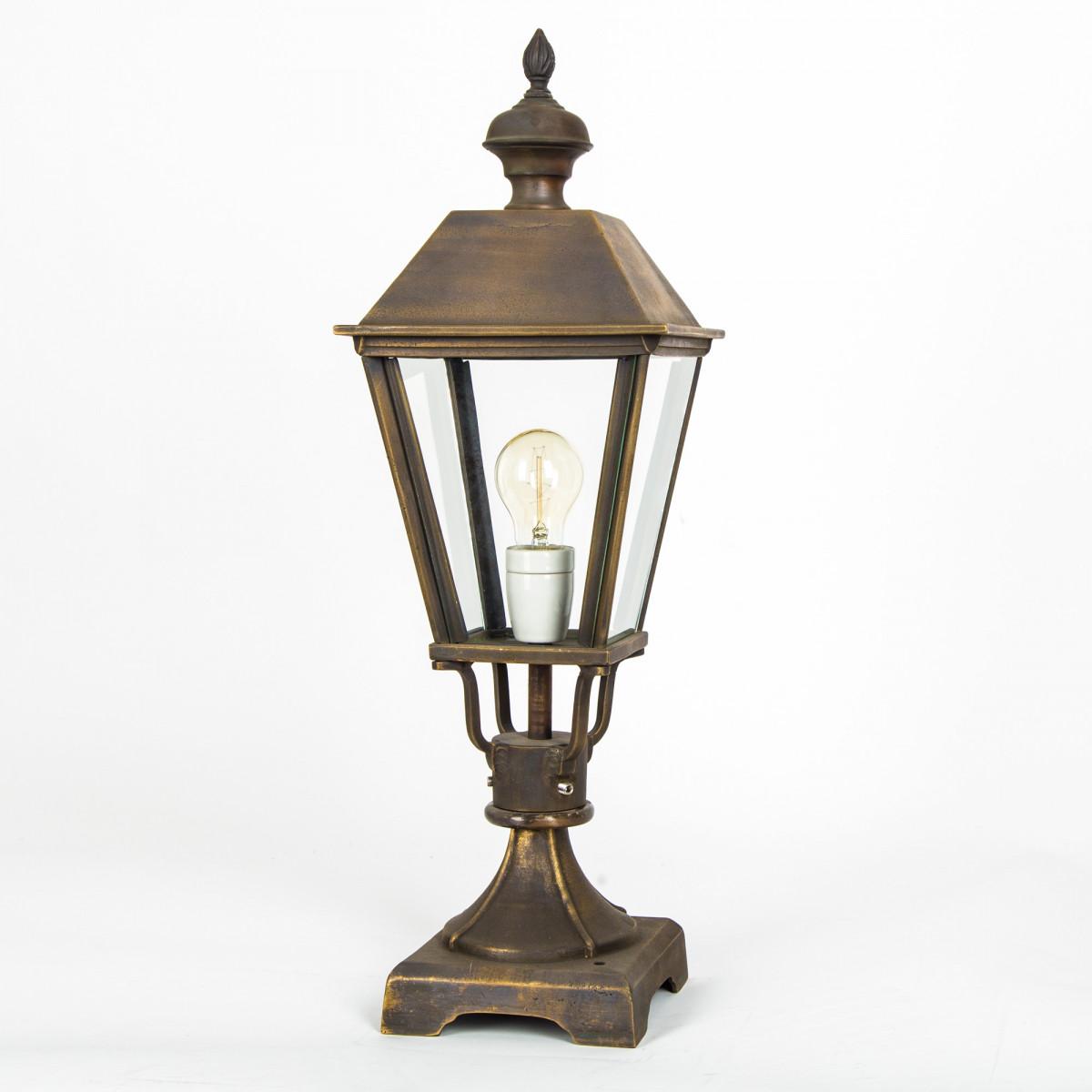 tuinlamp brons strak klassieke buitenlamp, sokkel, lantaarn, Halle S, bronzen strak klassieke buitenverlichting, onderhoudsvrije buitenverlichting, bronzen vierkante lamp voor poer of zuil van KS Verlichting