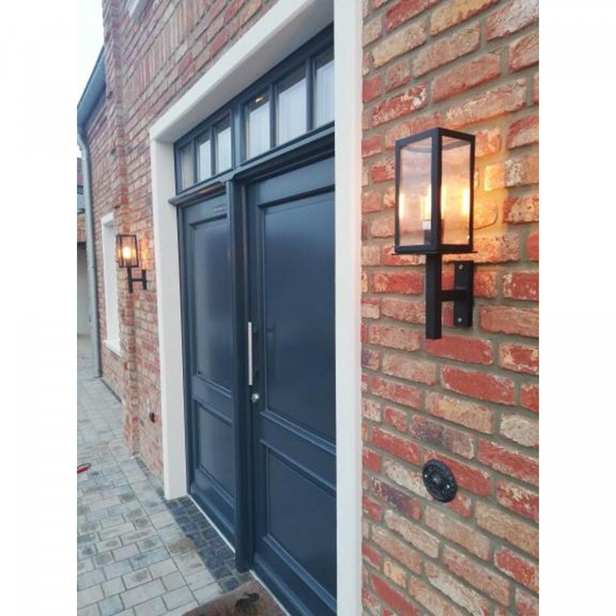 Buitenlamp Bilthoven zijdeglans zwarte buiten wandlamp super stijlvol strak klassiek vormgegeven, rechte steun, strakke belijning, heldere glazen, box design handmade kwaliteitsverlichting